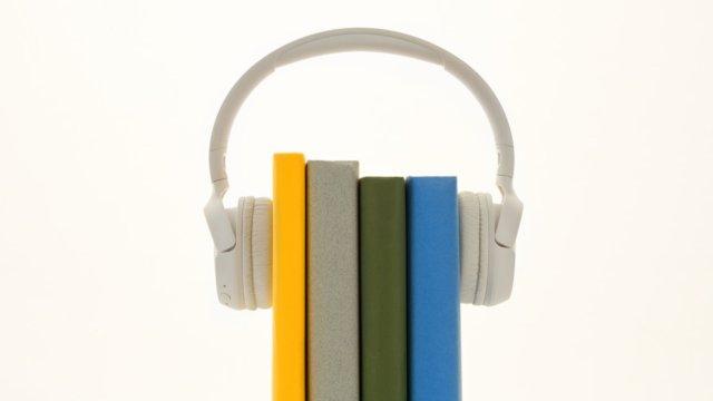 【本を聴くアプリで効率アップ】オーディオブックおすすめTOP5